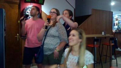 karaoke-daño-cerebral-adquirido-voluntariado