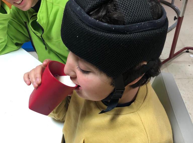 autonomía-aprender-a-comer-daño-cerebral-adquirido